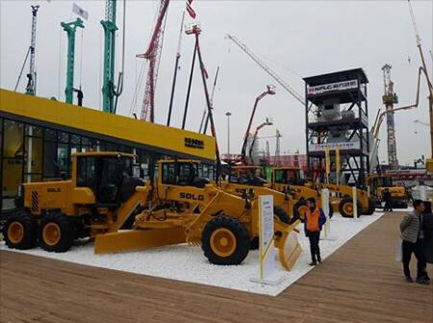SDLG unveils its largest ever motor grader