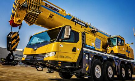 XCMG launches XCA100E all terrain crane